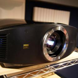Sony VPL-VW80 Projector
