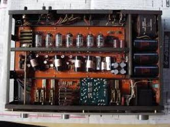 LUXMAN A3032 TUBE PRE AMPLIFIER